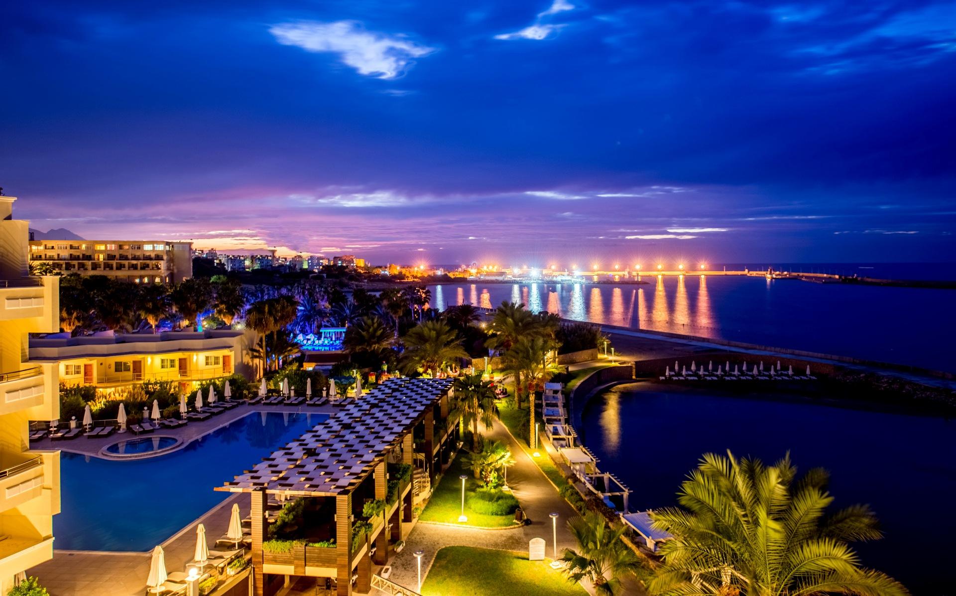 Vuni Palace Hotel & Casino
