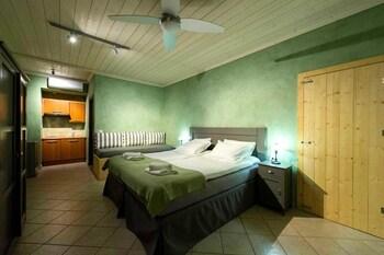 Enetiko Resort