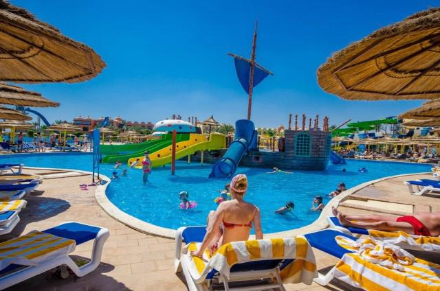 TITANIC PALACE AND AQUA PARK