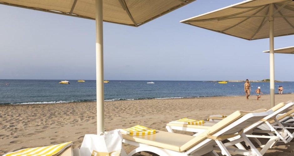 LYCUS BEACH HOTEL