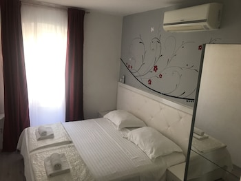 Nirvana Rooms Split