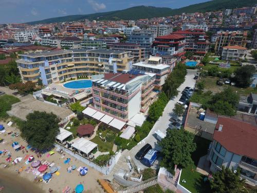 Iris Beach Hotel - Half Board
