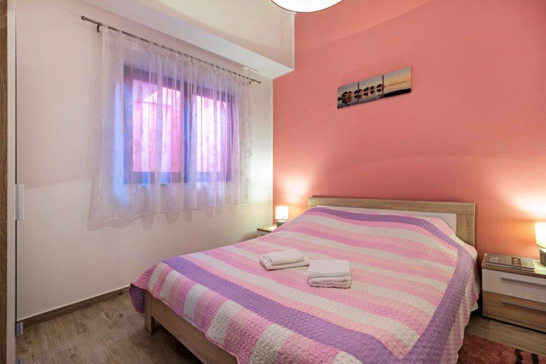 Pleasant Oriana Apartment Near The Sea