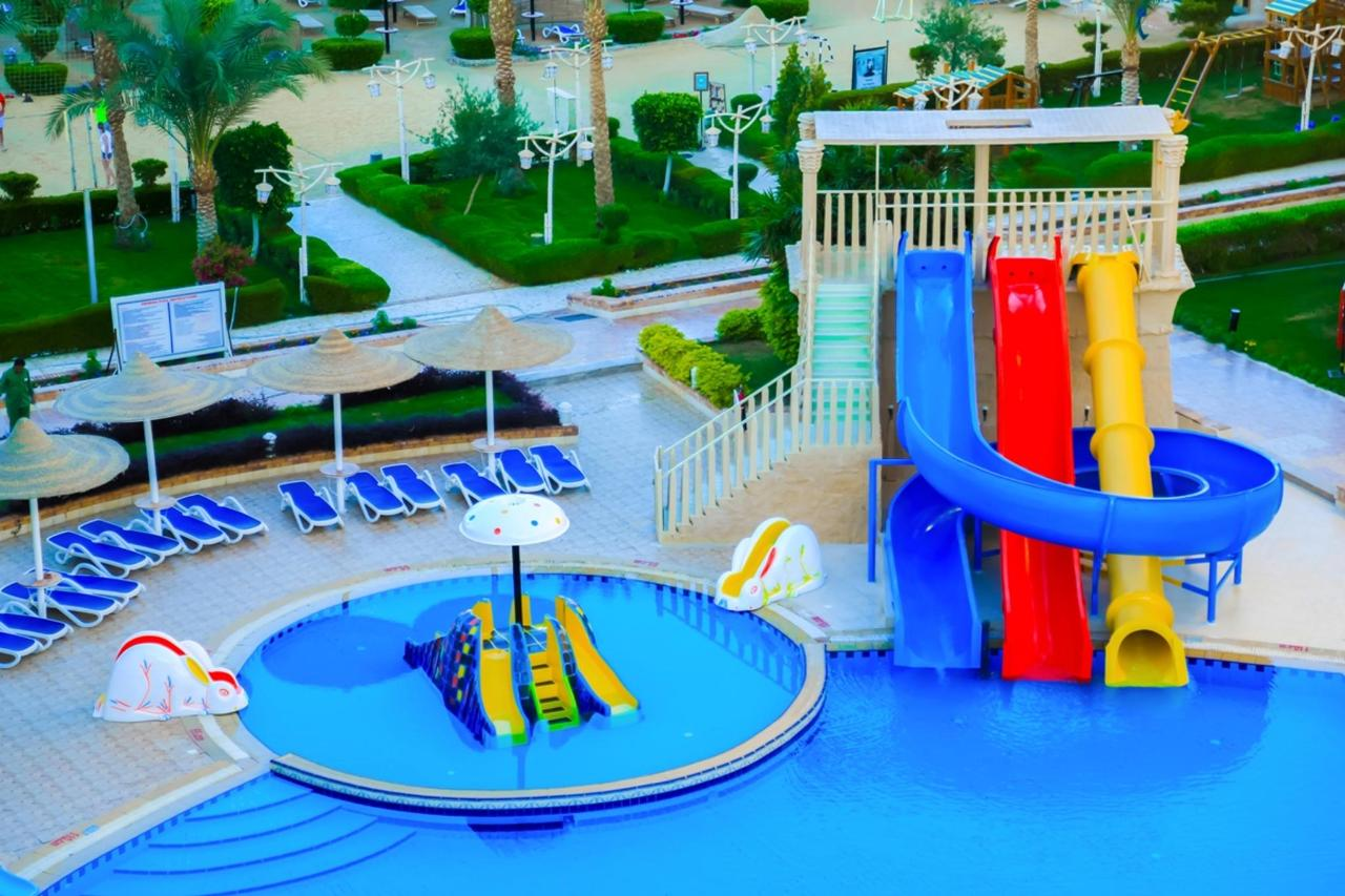 AMC ROYAL AQUA PARK HOTEL