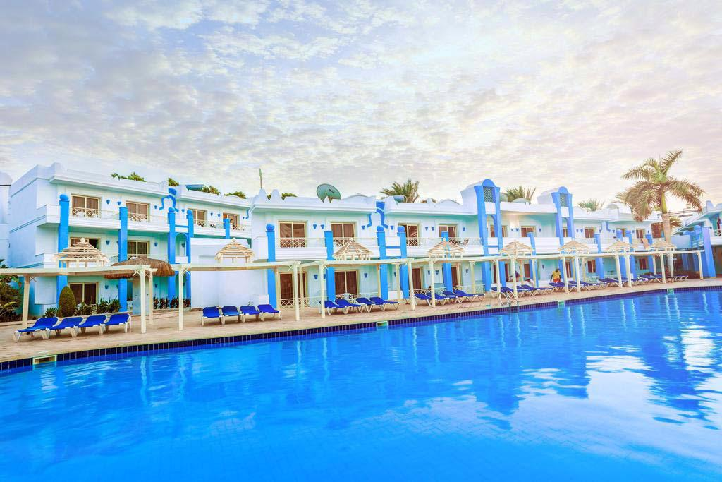 MIRAGE BAY RESORT & AQUA PARK - SAFAGA ROAD