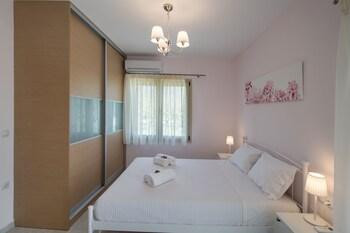 Bounatsa Studios And Apartments