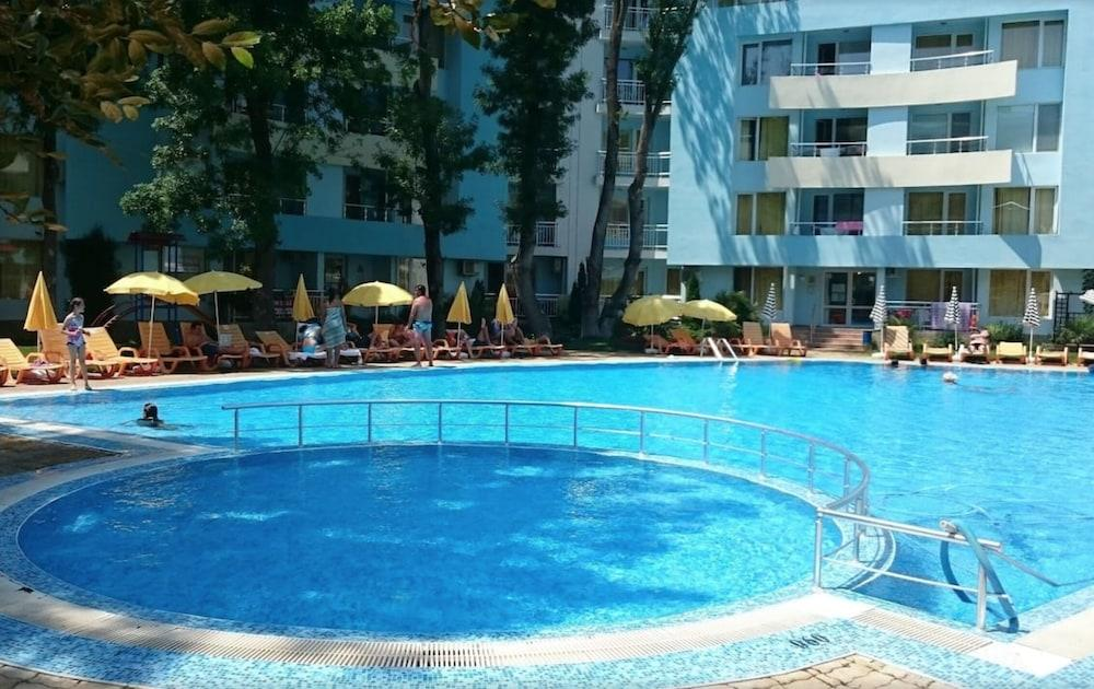 Yassen by MNG Holiday Apartments