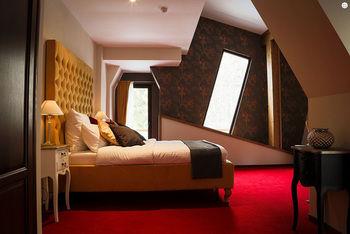 Pensiunea Oblique - Forest & Spa