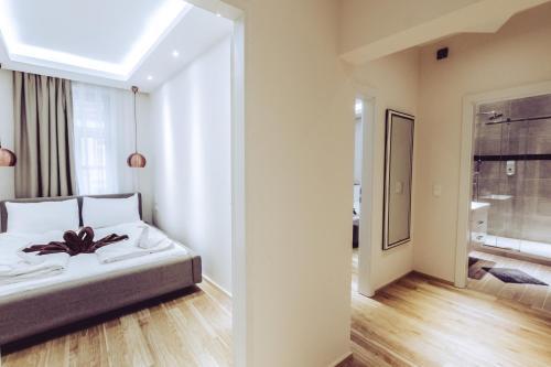 Aurellia Apartments