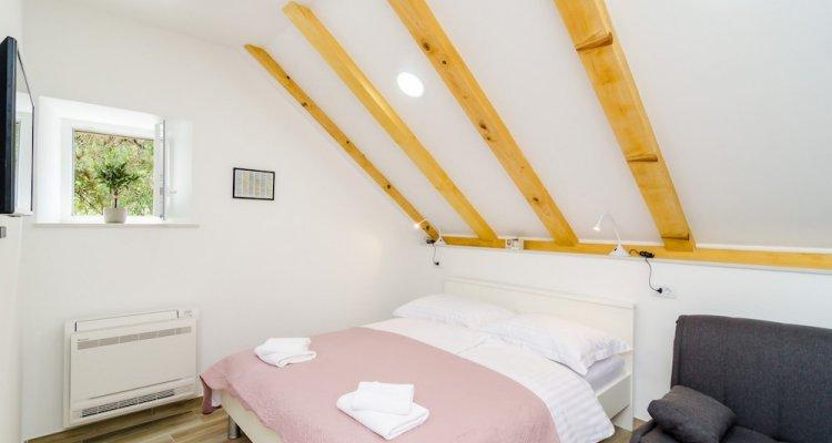 Shining Star Apartments