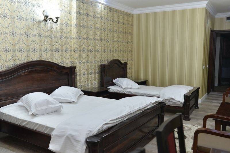 EDY'S ROYAL HOTEL