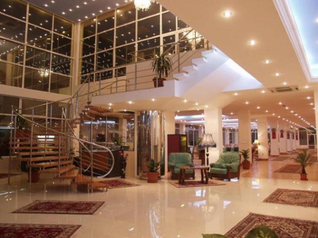 Hotel Queen Vera Mamaia