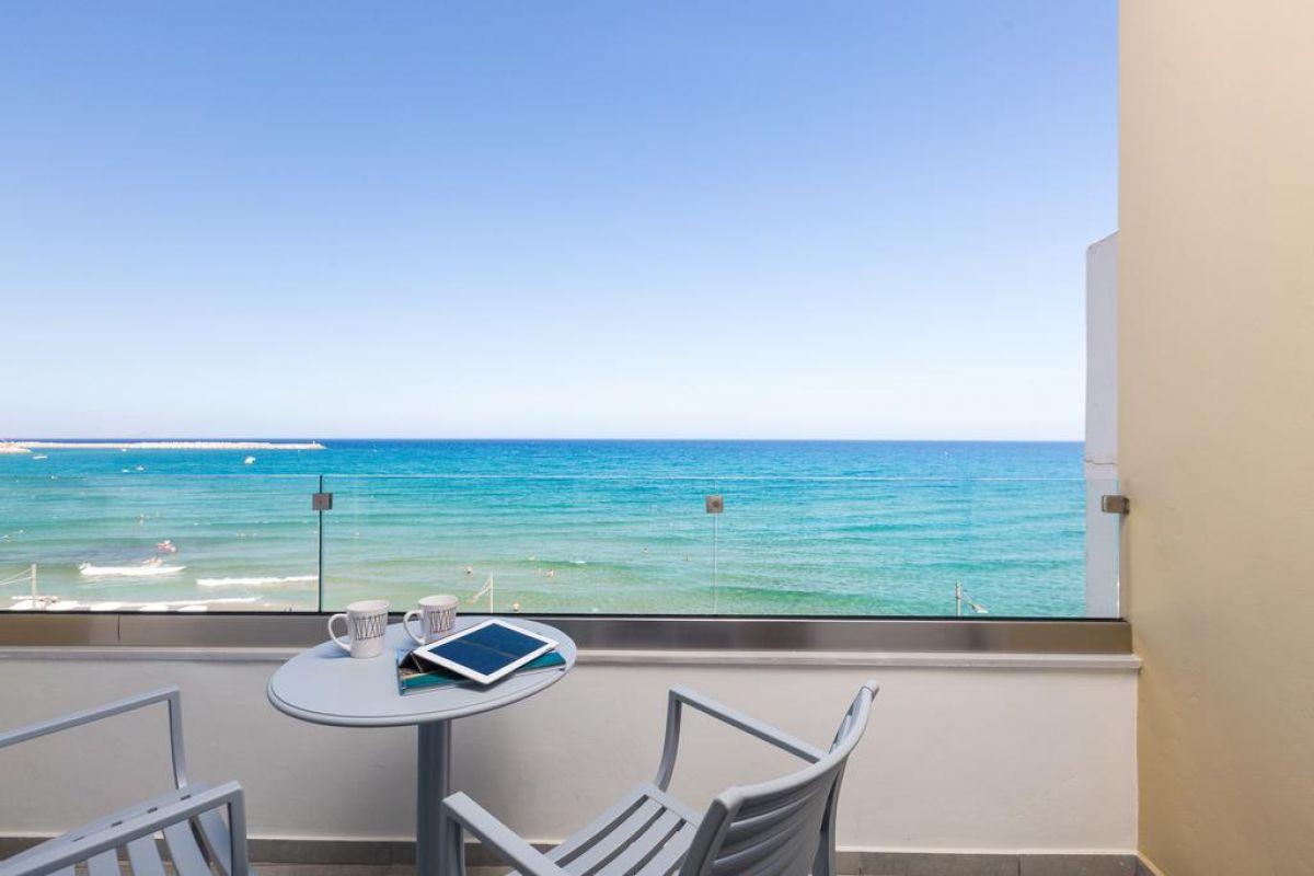 Meltemi Coast Suites
