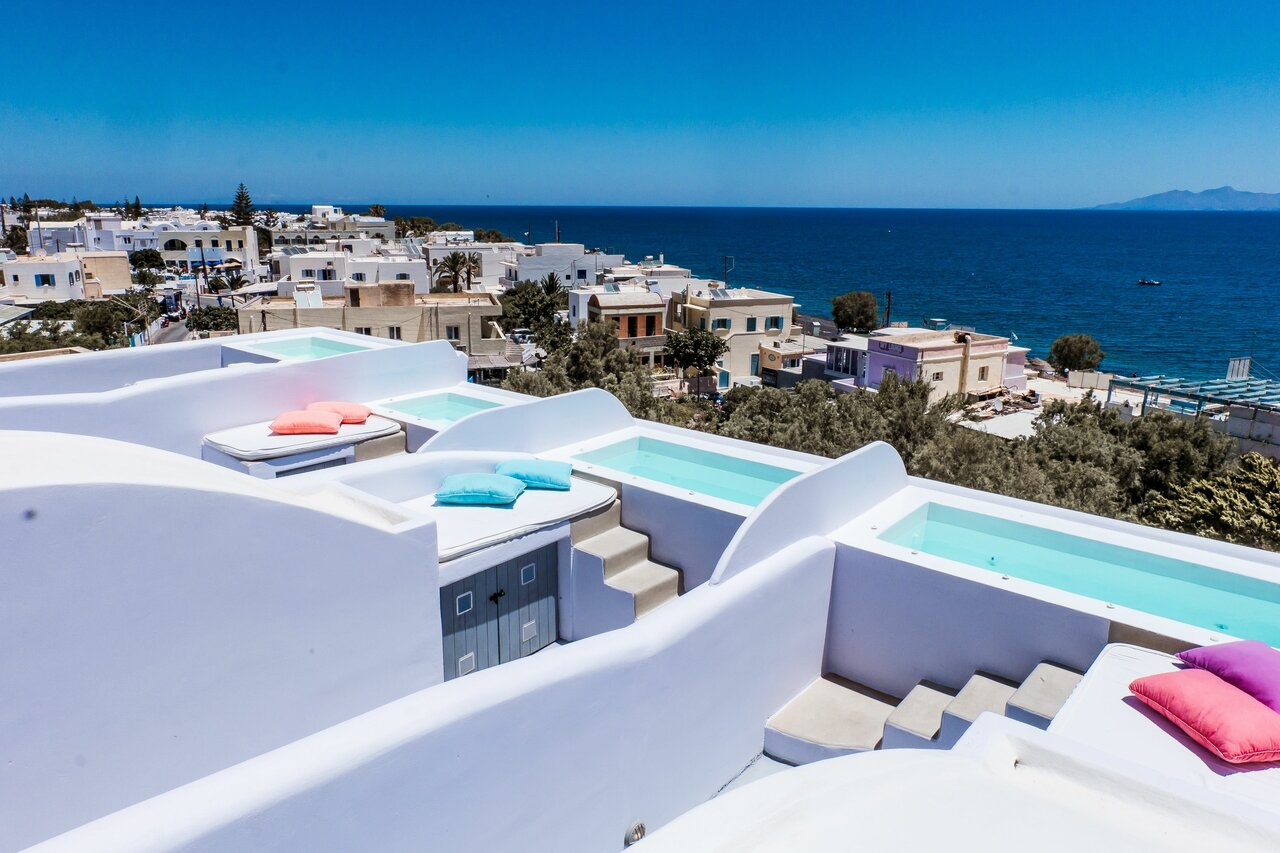 Blue Waves Suites And Apartments