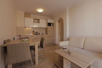 Luxury Apartment in Anastasia Palace