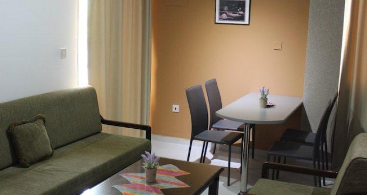 Petsas Apartments & Tavern