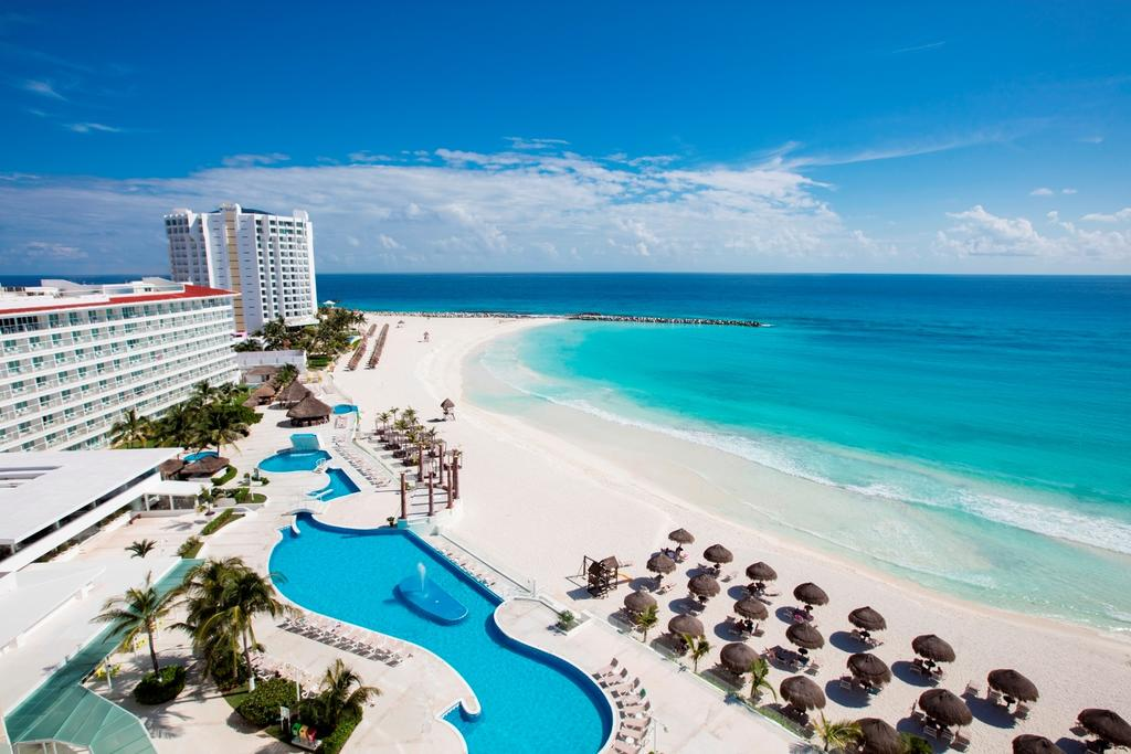 Krystal Resort Cancun