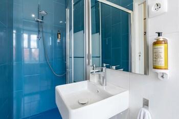 The Color | Suites & Rooms