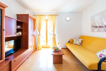 Cina Apartments