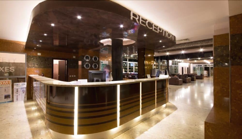 Mimosa Hotel % Spa