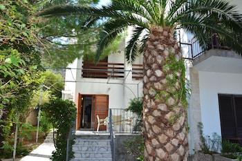 Apartments Cirkovic