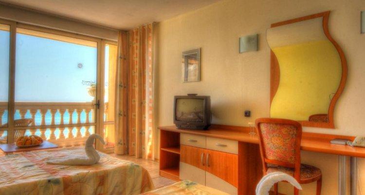 Royal Bay Hotel & Aqua Park – All Inclusive