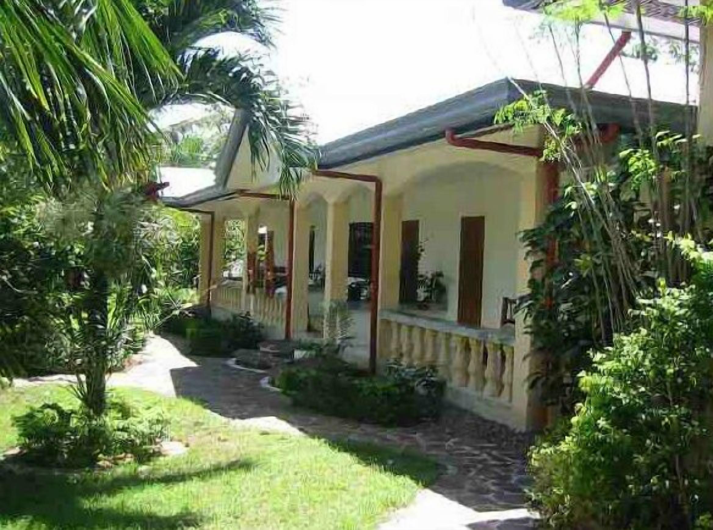 Lapu-lapu Cottages