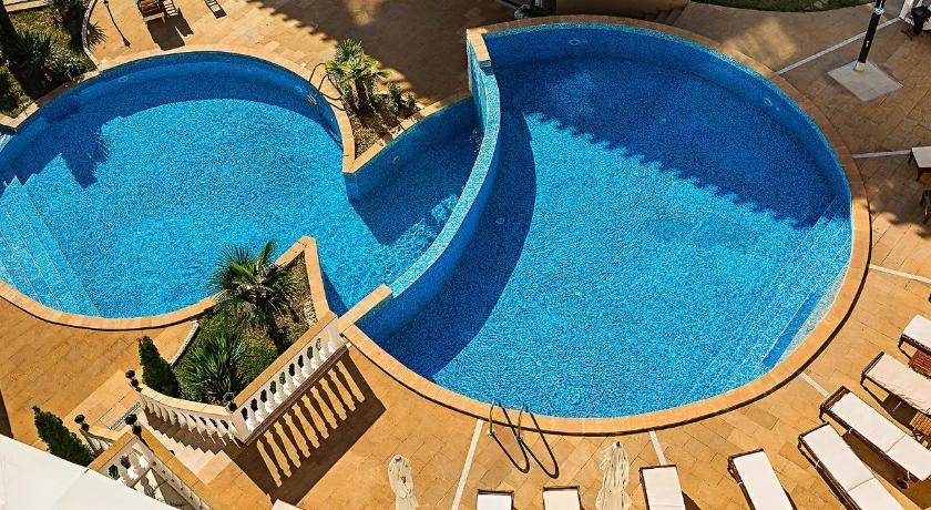 CLIFF BEACH SPA