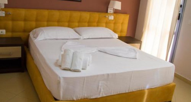Hotel Perandor Durres