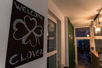 Clover Hostel