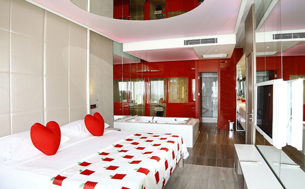 ADAM & EVE HOTEL 5 *