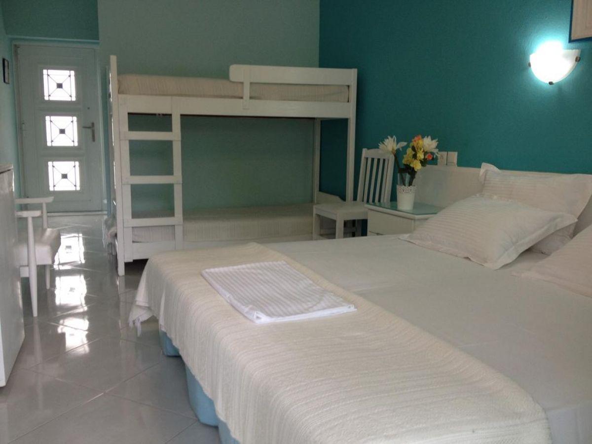 Diaporos  Hotel