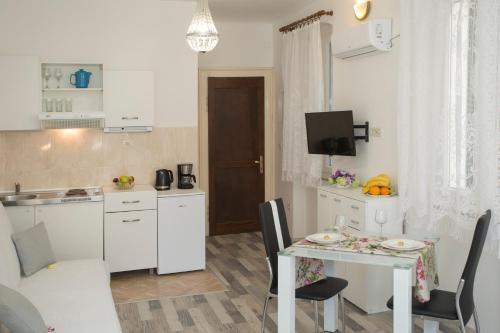 Studio Apartment Old Square