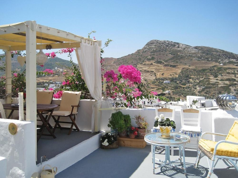House With One Bedroom In Skyros, With Wonderful Mountain View, Furnished Terrace And Wifi - 4 Km Fr