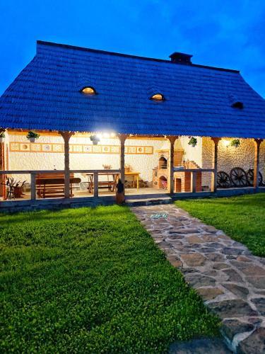 Casa Chira