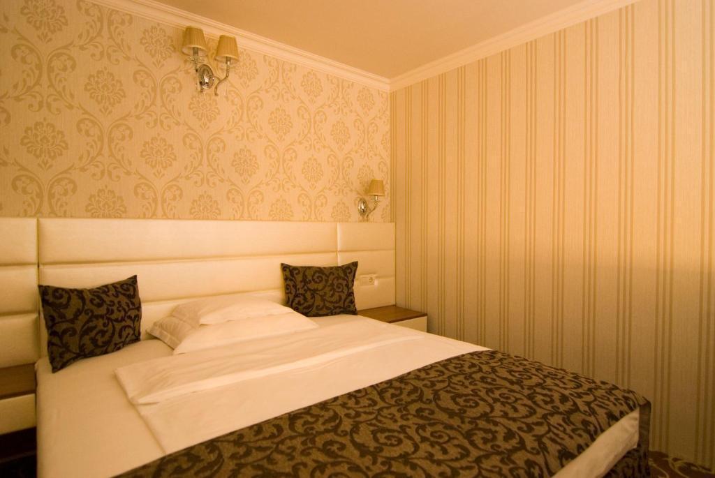 Hotel Golden Ball Club