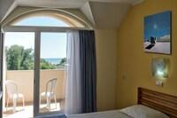 Belle View Hotel II