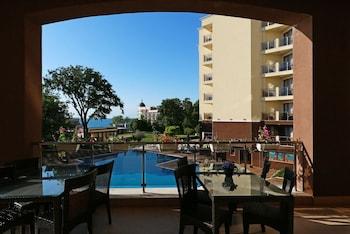 Apart Hotel Golden Line