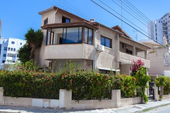 Laila's Luxury Promenade Villa