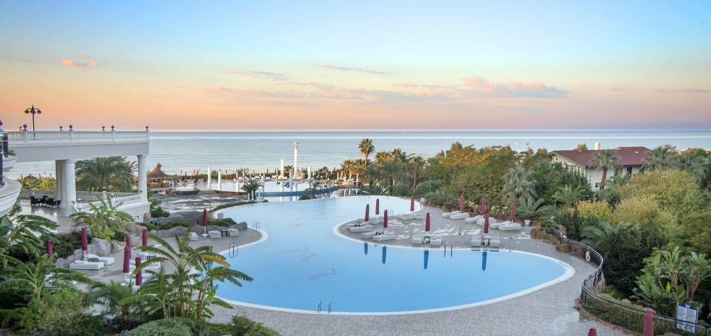 Starlight Resort Spa