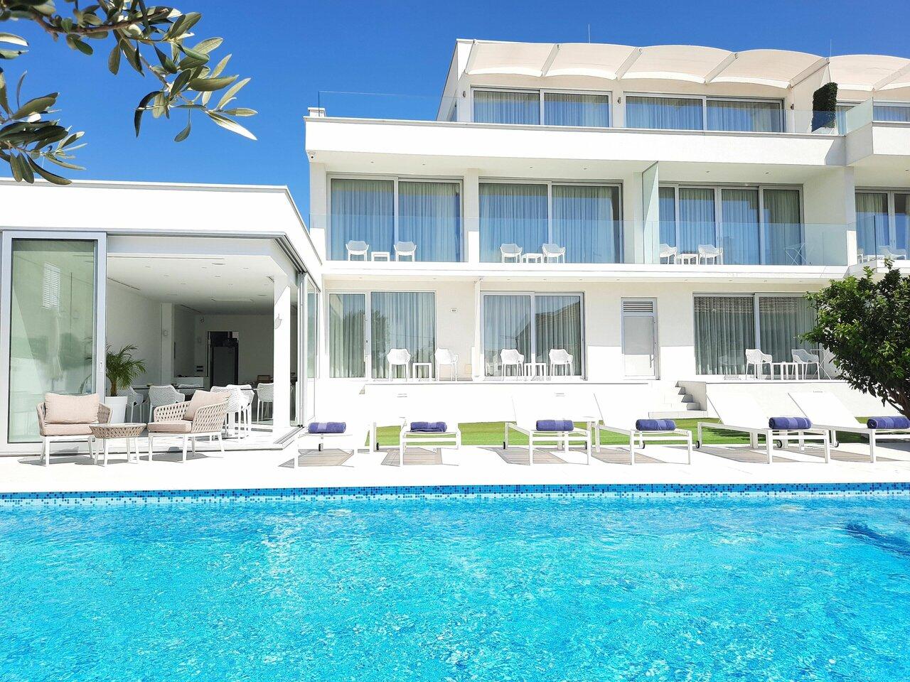 Demar Residence