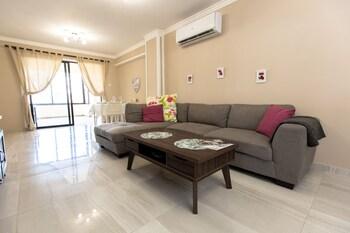 Laila's Huge Family Apartment