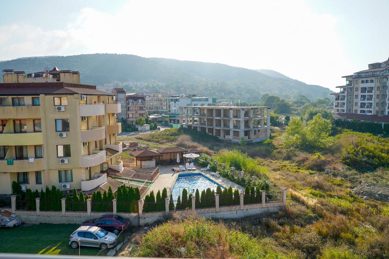 Obzor Tatyana Apartaments Natura