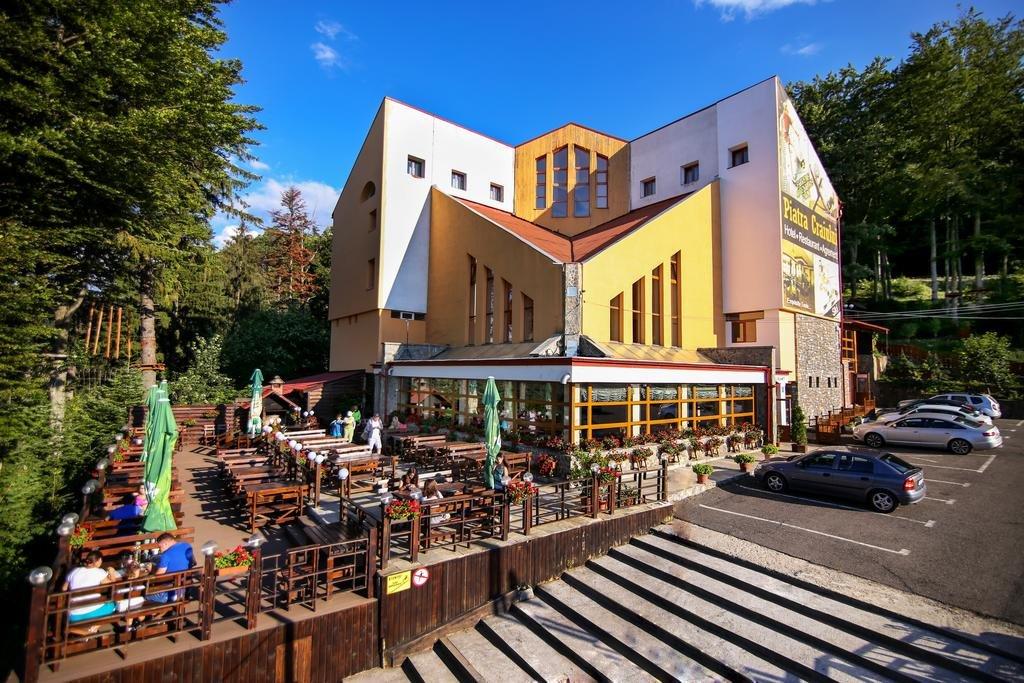 Hotel Piatra Craiului - Complex Cheile Gradistei Fundata