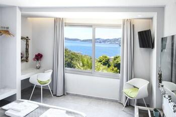 Core Luxury Suites