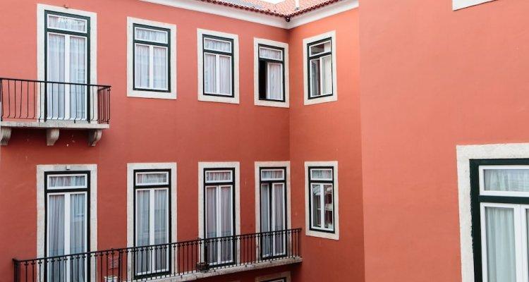 Dear Lisbon Gallery House