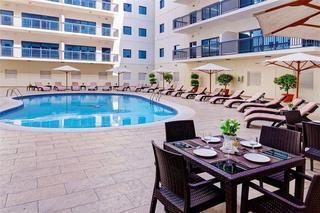 Golden Sands Hotel Apartments 10