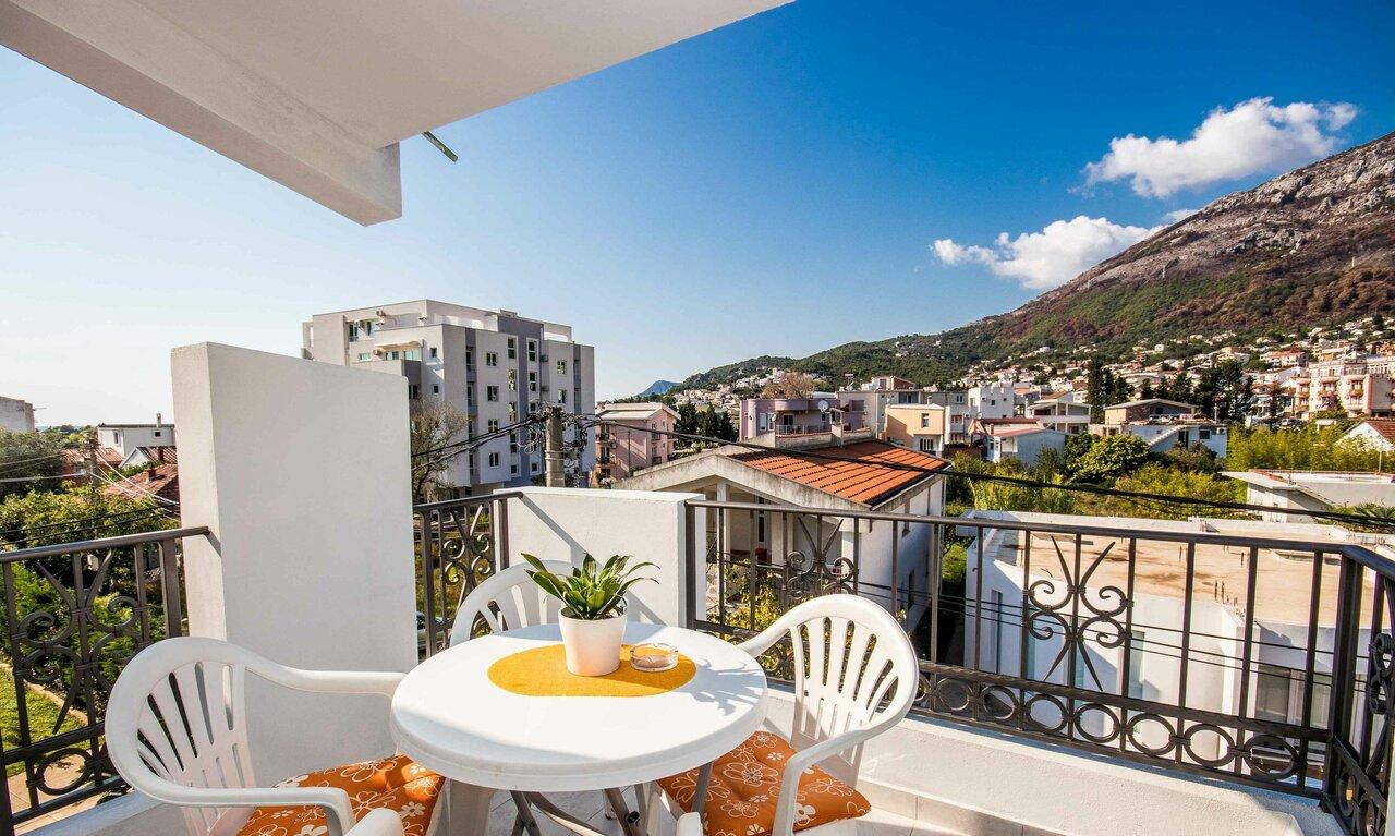 Becka Apartments